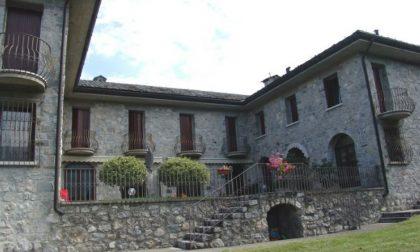 Chiude il Monastero delle Clarisse. Quattro suore si trasferiscono nel Monastero di Lovere, una in un Convento della Liguria