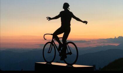 Marco Pantani abbraccia Montecampione